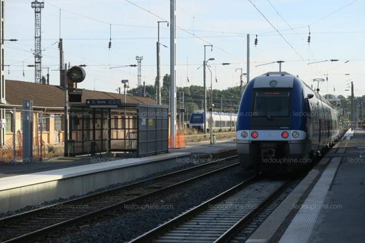 annemasse grenoble train