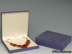 boite a bijoux pour collier