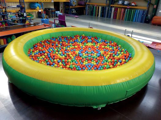 boule piscine