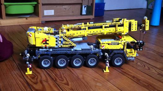 camion grue lego