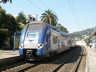 cannes antibes train