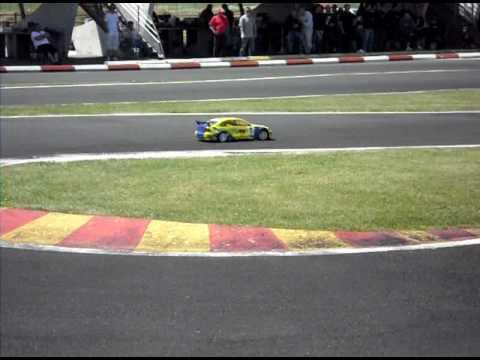course voiture télécommandée