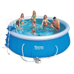grosse piscine gonflable