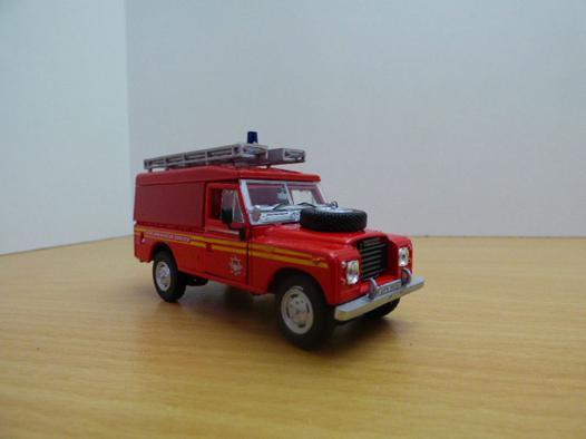 land rover pompier