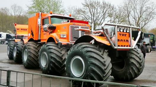 le plus gros monster truck du monde