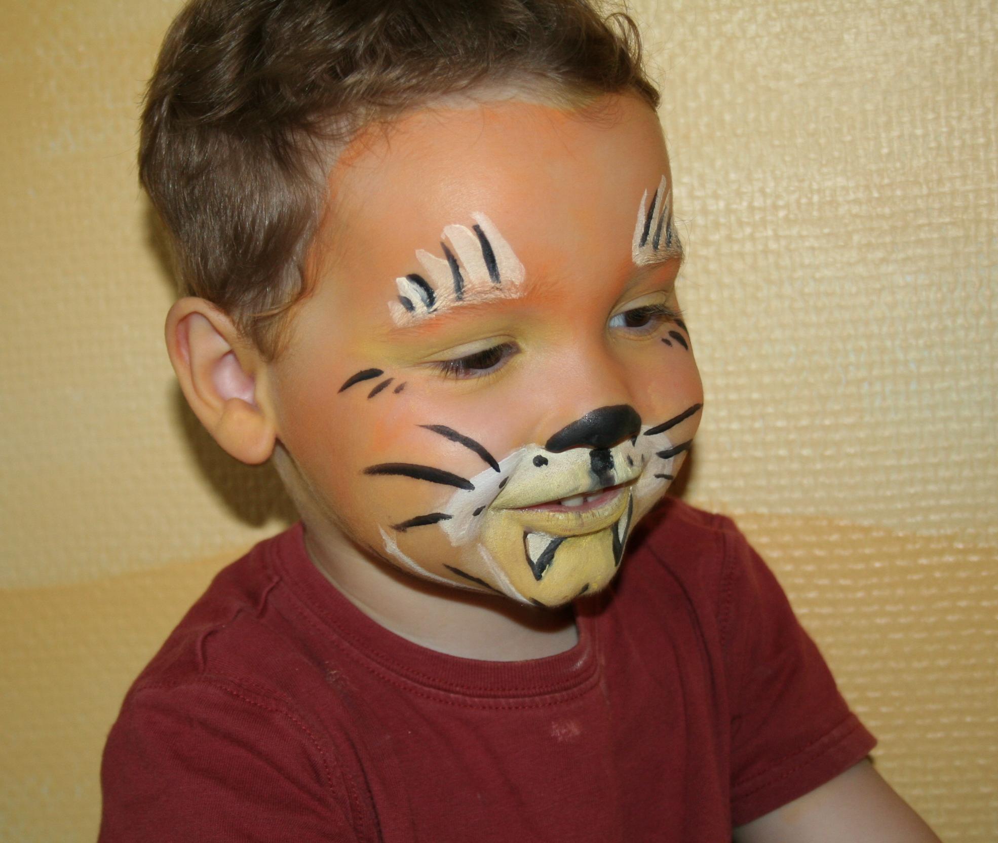maquillage enfant lion