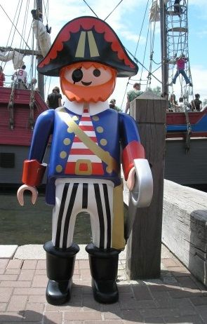 playmobil géant pirate
