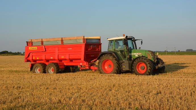 tracteur avec benne