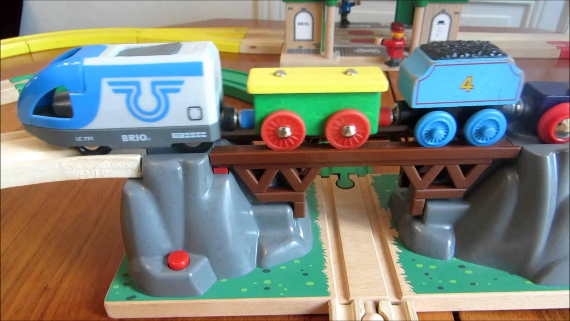 tunnel train en bois