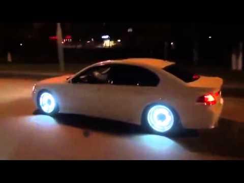 voiture lumineuse